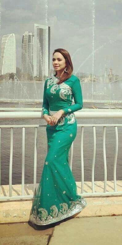 Sari... isint it nice !  Nora Danish
