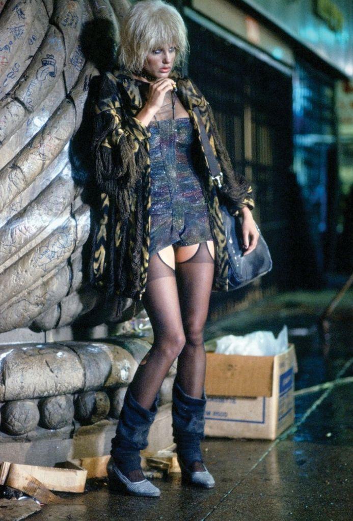 "Daryl Hannah - ""Blade Runner"" (1982) - Costume designers : Michael Kaplan & Charles Knode.                                                                                                                                                                                 Más"