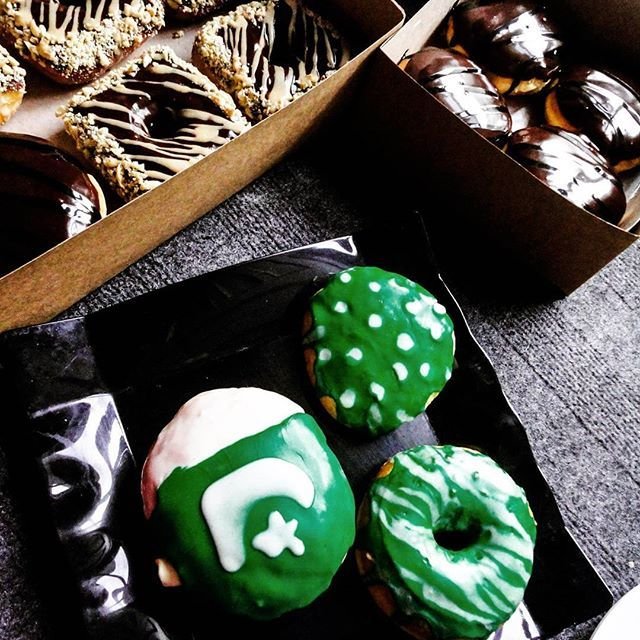 Happy Pakistan day everyone. Let's all celebrate with a donut! ✌️🇵🇰 #Pakistan #home #23March #nutsaboutdonuts #spatulainmypocket #Islamabad #pakistanibloggers #pakistanifoodbloggers #foodblogger