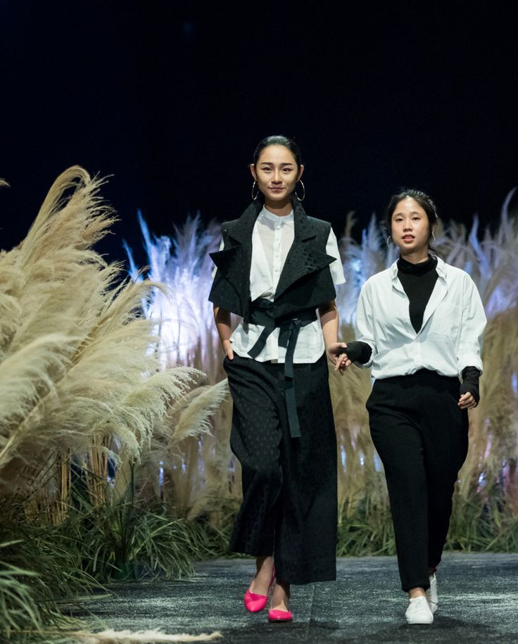 Vietnam Fashion Week FW17 - Ready To Wear.        Designer: Nhi Hoang   Photo: Le Chi Linh