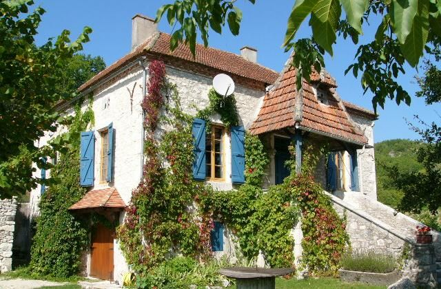 3 Bedroom Cottage in Villeneuve Sur Lot to rent from £550 pw, with a private pool. Also with wheelchair access, Log fire and Telephone.