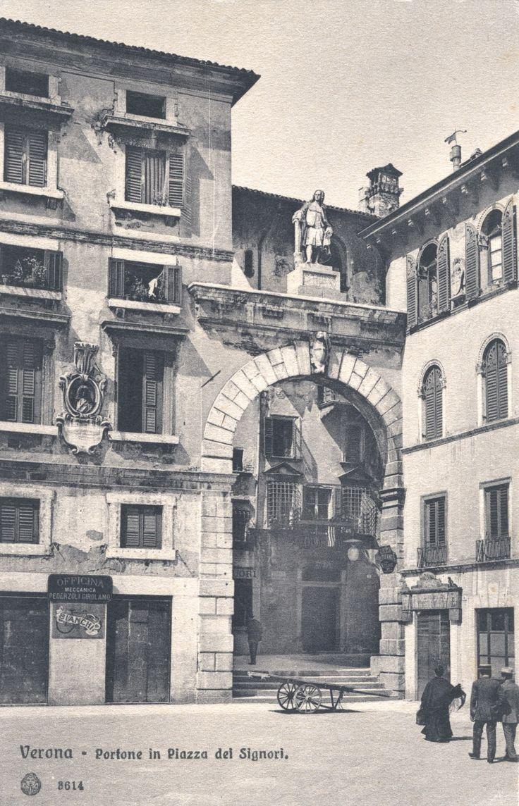 Verona - Piazza dei Signori - primi 900