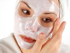 Прибегнуть к уколам ботокса вы всегда успеете. Вместо этого средства попробуйте маску на основе обычного крахмала. Знатоки говорят, что эффект от нее ничуть не хуже, чем от уколов. Маска предназначен…
