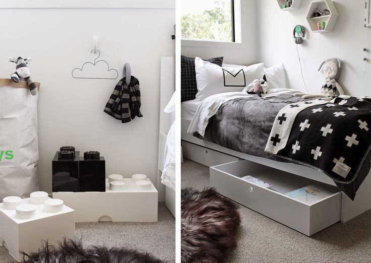 Un dormitorio infantil estilo nordico en blanco y negro for Habitaciones infantiles garabatos
