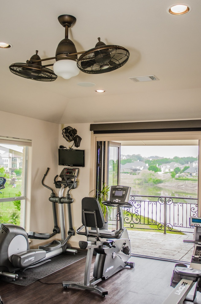 Interesting choice ceiling fan and lighting layout for Home gym room