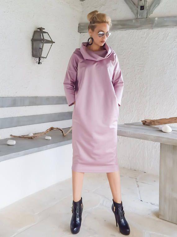 NEUES Öko-Leder-Kleid / Midi Kleid / Eco Leder rosa Kleid / schwarz Leder-Kleid / Plus Größe Kleid / Mutterschaft Kleid / Abendkleid / #35247 -Handgefertigte Artikel -Material: Stretch Eco Leder -Das Model trägt: klein -, Farbe-rosa -Passform: Locker -Länge: 110 cm/43 Zoll. **