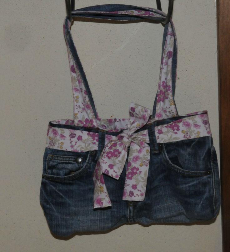 sac avec un vieux jean couture sacs pochettes trousses portes feuilles pinterest. Black Bedroom Furniture Sets. Home Design Ideas