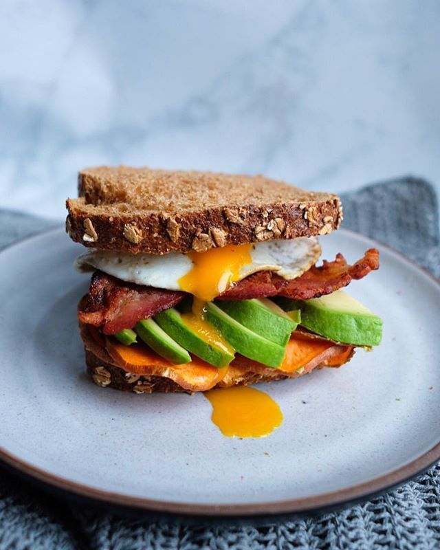 YUMMY RECIPE! Breakfast Sandwich with Roasted Sweet Potatoes Avocado Bacon & Fried Egg @thefoodjoy  #breakfast #breakfastlover #sandwich #sandwichbreakfast #sweetpotatoes #avocado #bacon #friedegg #baconlover #avolover #nyc #nycfood #brunch #food #foodtime #foodlover #foodporn #foodpics #foodphotography #foodies #foodgram #instafood #deliciousfood #yahoofood #yummy #gluttony #coolinaria (instalink http://ift.tt/2ndzbu2) by coolinaria.es Food Foods Foodies foodie foodporn foodstagram…