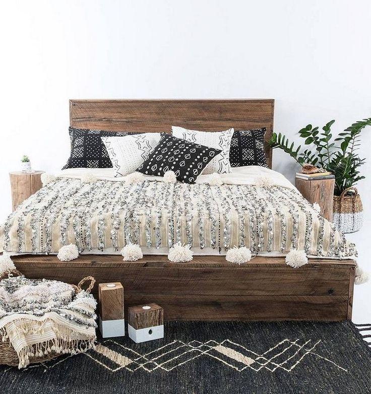 20+ Cozy Perfect Pillow Arrangement Decor Ideas for Queen