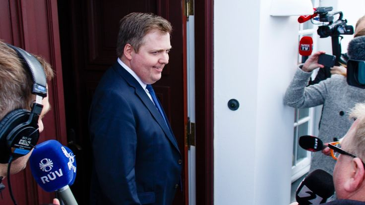 Panama Papers: Iceland's PM resigns over offshore tax haven revelations