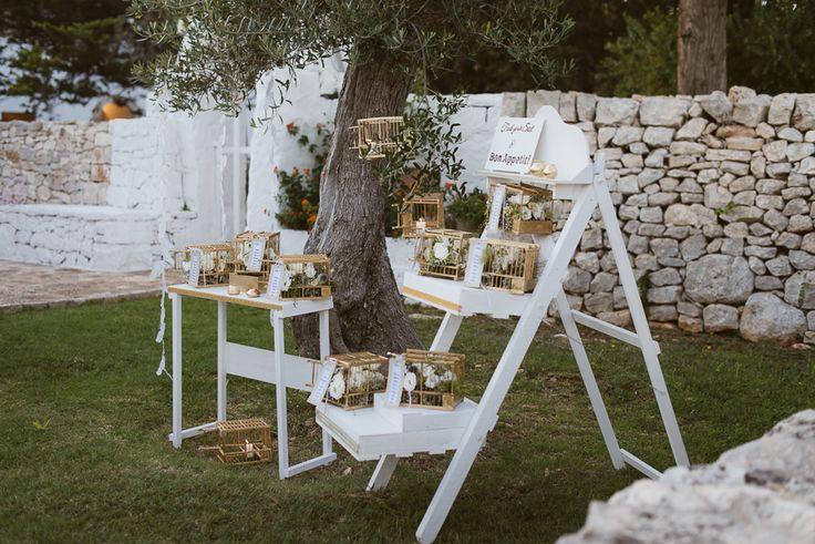 Tableau de mariage in Apulia PH www.aberrazionicromatiche.com @in #weddingispiration #weddinginmasseria #tableau #wedding #apuliawedding