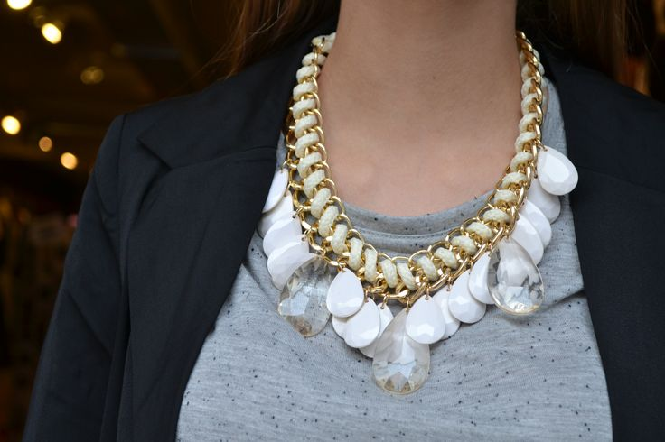 Statement necklace bauble