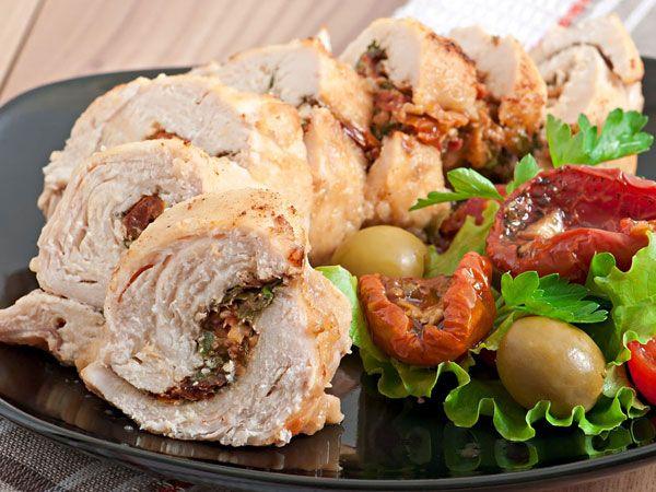 Petto di pollo farcito con pomodori secchi e mozzarella