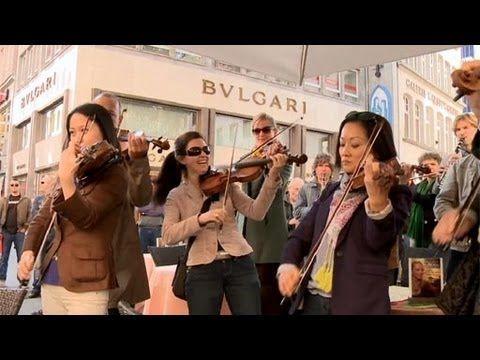 Star Wars Flashmob auf dem Wallrafplatz |  WDR Rundfunkorchester
