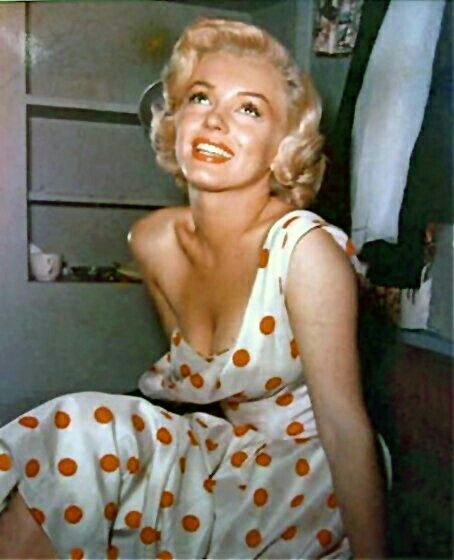 the influence of marilyn monroe to As something she wore in movies, monroe also wore this type of outfit in her personal time at the beach, or lounging by the pool as you looked around the beach and at the pool, many women started doing this, just as marilyn monroe did.