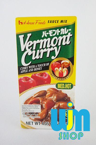 Curry Jepang - Vermont Curry 115g Curry adalah bumbu masakan untuk membuat nasi curry atau udon curry.  penggunaannya sangat mudah, hanya tinggal ditambah sayur dan daging kemudian dipanaskan lalu disiram ke nasi atau udon.  Vermont Curry Kemasan: 115Gram Tingkat kepedasan: Mild - Med Hot - Hpt bisa untuk 6 porsi