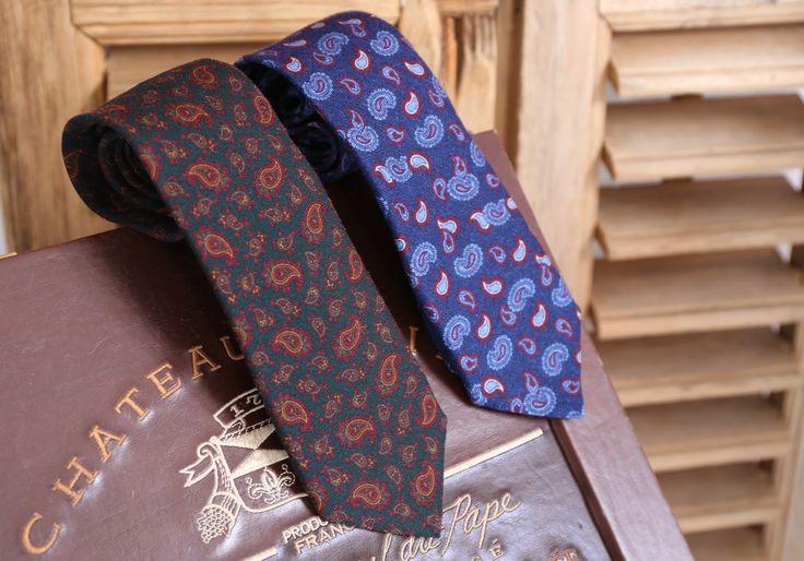 Corbatas lana dibujo paisley #gris #azul #paisley #lana #corbata #hombre #moda #looks