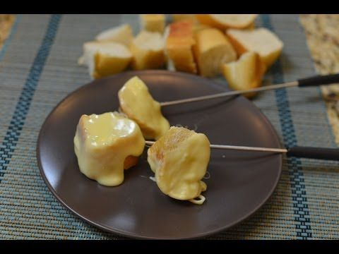 Melting Pot Traditional Swiss Fondue