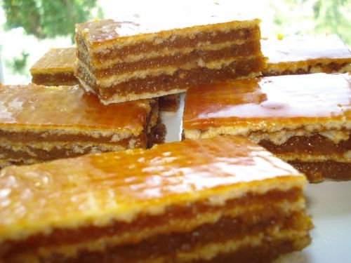 Prajitura cu foi napolitana si crema caramel - imagine 1 mare