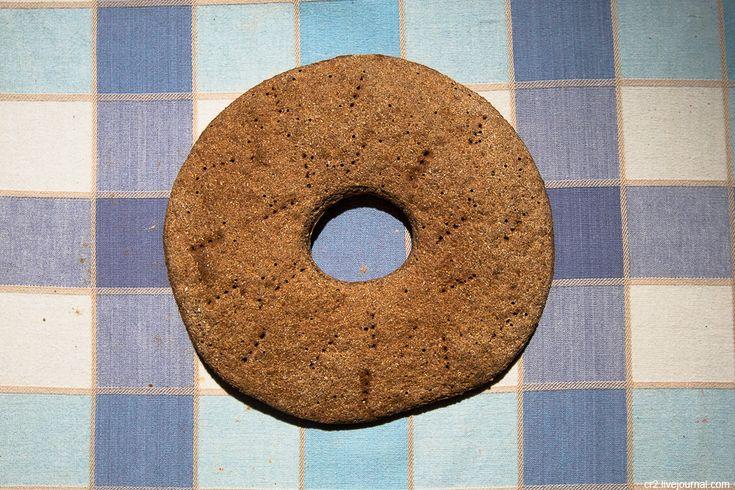 Карельский хлеб из ржаной муки с добавлением коры сосны.