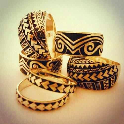 samoan designed wedding rings.. might have to get one of these for my hubby. But not gold.