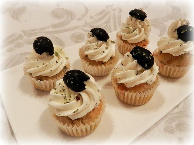 Cupcakes salado de atún y aceitunas negras