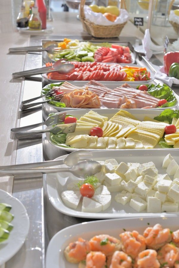 Enjoy a leisurely breakfast in the morning sunshine at Blé Restaurant.  http://www.hotelpalladium.gr