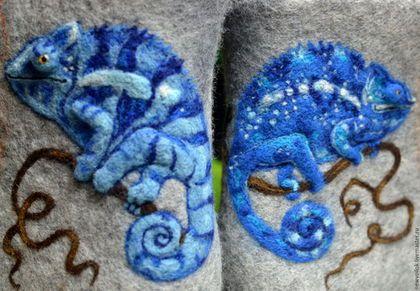 Купить или заказать Ботинки валяные женские 'Хамелеоны-2' в интернет-магазине на Ярмарке Мастеров. Оригинальные серые ботиночки с яркими позитивными хамелеонами. Ботинки полностью сваляны вручную. Рисунок выполнен в технике сухого валяния. Плотный качественно свалянный войлок. Валяные ботинки удобные и практичные. Необычный, яркий рисунок однозначно не оставит хозяйку ботиночек без внимания окружающих. ..................................................................