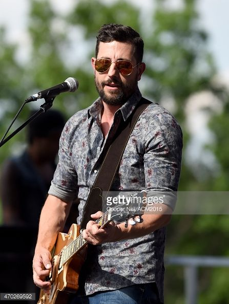 matthew ramsey old dominion - his voice, his smile, his energy - majorly crushing right now!!!