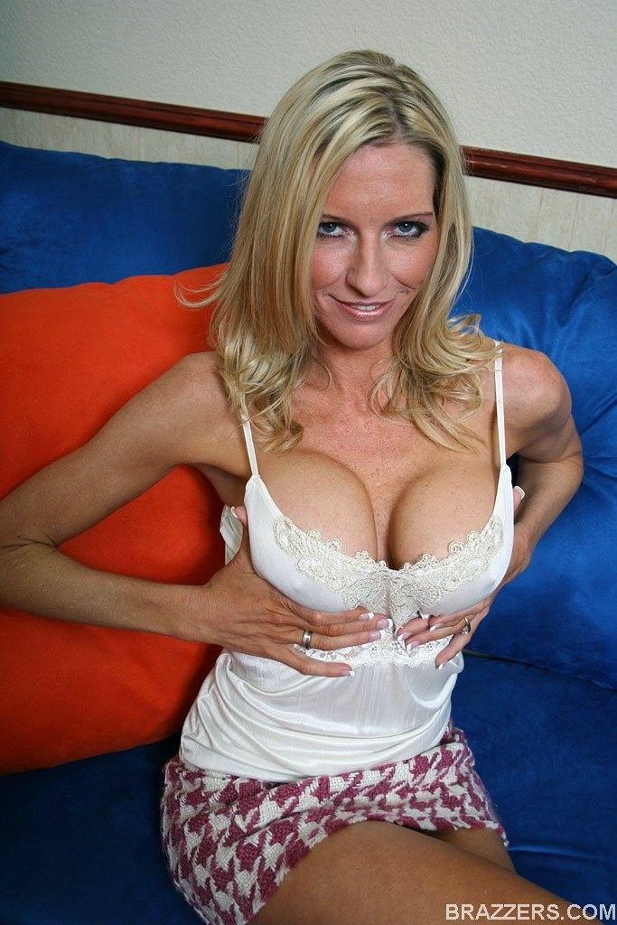 Emma Starr Nude Photos 74