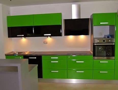 Modern kitchen: high gloss 3D foiled fronts