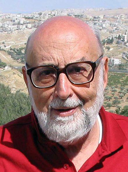 François, baron Englert, né le 6 novembre 1932 à Etterbeek (Bruxelles), est un physicien théoricien belge. Ses principales contributions touchent à la physique des transitions de phase, physique des particules, à la théorie des cordes et à la cosmologie. Il reçoit le 8 octobre 2013 le prix Nobel de physique, conjointement avec le Britannique Peter Higgs, pour ses travaux sur le mécanisme de Brout-Englert-Higgs, un élément clé du « modèle standard » de la physique des particules.