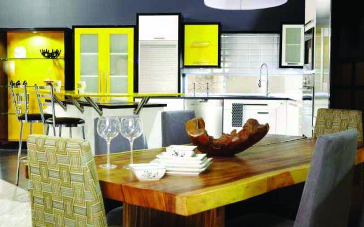 Mariage du bois et de la laque aux couleurs tendances - Sofa Déco 2011
