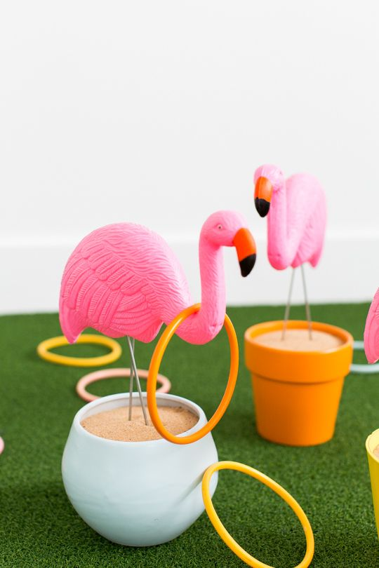 DIY flamingo ring toss yard game. saw these guys painted Orange and Black OSU and thought how fun this game would be then.