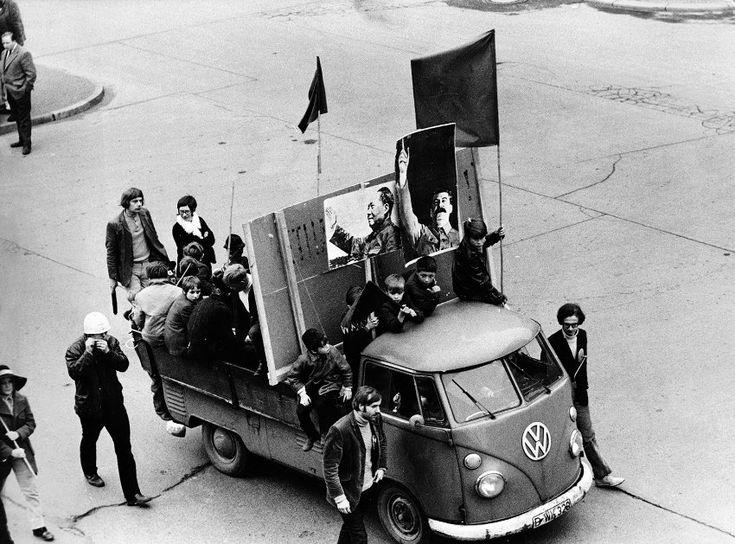 Irrweg:  Noch hatten die Aktivisten der 68er-Bewegung lange Haare, doch bald...