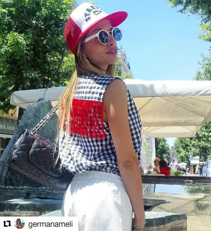 @germanameli non passa inosservata con la nostra camicia con frange. We ❤ it!! #odietamo #odietamoisyou #fashionstylist #fashion #instafashion #instadaily #picoftheday #style #instastyle  #blogger #fashionblogger #instatrendy #trend #ootd #outfit #shop #shoponline