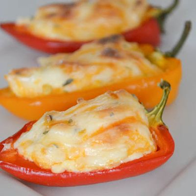 GARDEN ❈ PARTY {Perfect Backyard BBQ Appetizer - Fiesta Stuffed Mini Peppers}