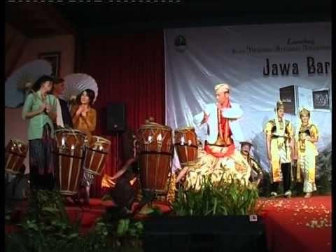 Rosalinda Enterprise. Sanggar Tari. Penari Tradisi. Bandung. ROSALINDA 4.2 N LE MODEL N PAPMOKKA