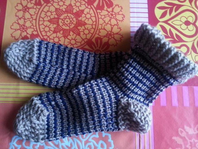 Calcetines de lana tejidos en telar de Ana G.