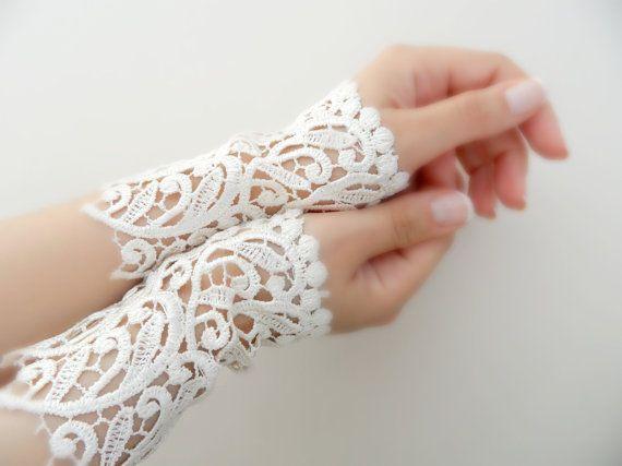 avorio nozze guanti bracciale pizzo bracciale da di WEDDINGGloves, $30.00
