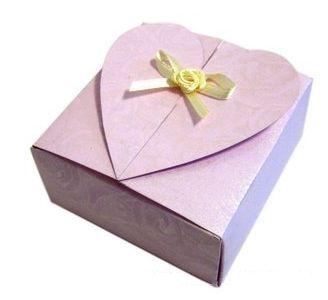 Como hacer una caja de papel con forma de corazon