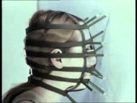 Artist: Recebba Horn  Bleistiftmaske / Performance II (1973) #art #performance