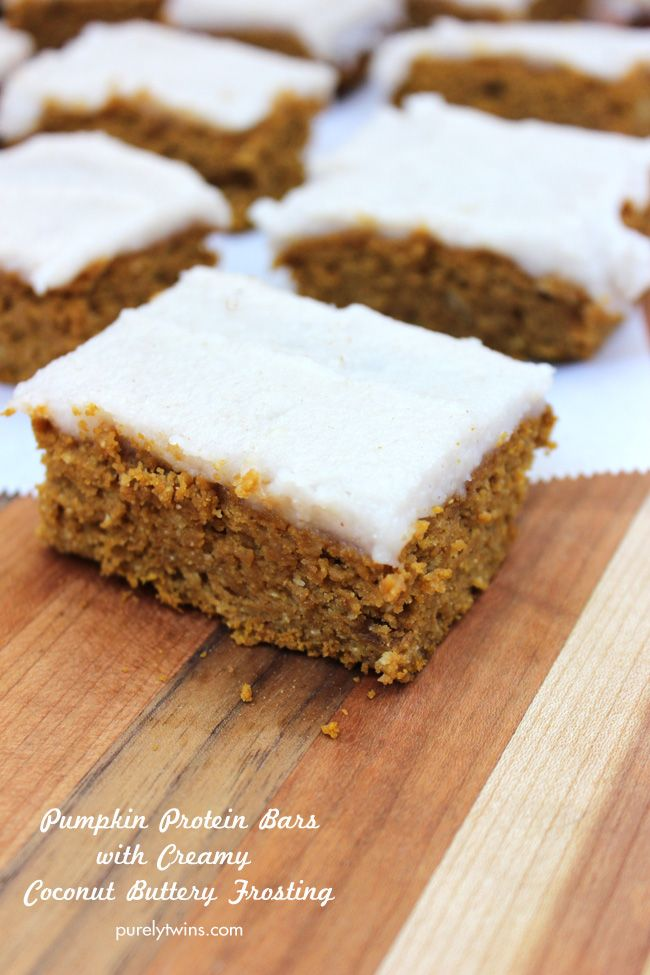 Healthy protein gluten-free pumpkin bars with creamy mock dairy-free coconut butter frosting | This pumpkin bar recipe is also low in sugar!