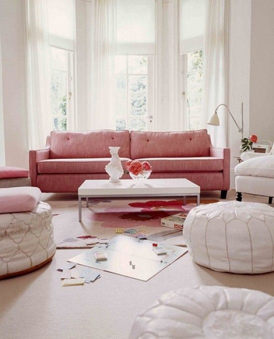 Pink couch...LOVE ♥