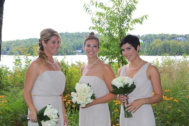 Fleurs, concept et décor: www.fetesgrenadine.com  Photo: www.yavuzphoto.ca