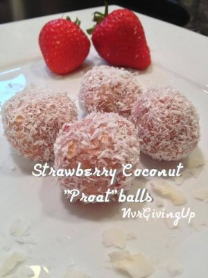 Ripped Recipes - Strawberry Coconut  - Scrumptious strawberry coconutty postworkout/preworkout protein packed oat balls!
