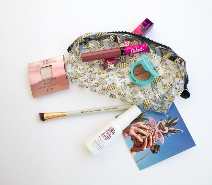 IPSY GLAM BAG ⋆MAY 2017⋆ REVIEW & SWATCHES. Click the picture and read the full review on my blog!