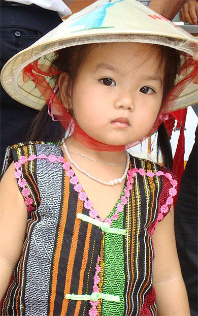 """Princesse Vietnamienne"" © Luna Azul,  Février 2010. http://www.routard.com/photos/vietnam/86220-princesse_vietnamienne.htm"