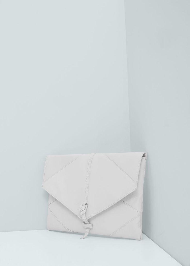 Skórzana kopertówka z klapką | MANGO