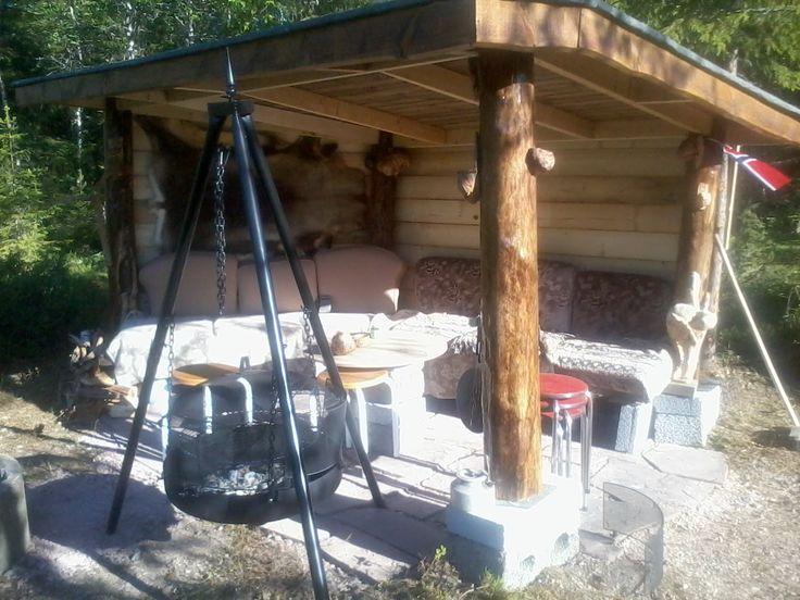 #Gapahuk# Slik ble gapahuken på hytta vår etter ideer på tavla hytta.